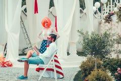 Dzień Niepodległości para z flaga Fotografia Royalty Free
