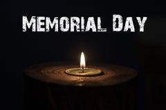 Dzień pamięci, inskrypcja na czarnym tle i świeczka, Obraz Stock