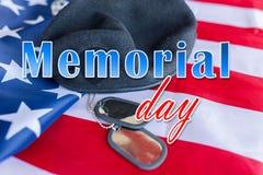 Dzień pamięci nad flaga amerykańskiej, kapeluszowej i psiej etykietką, obraz stock