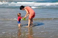 dzień plażowa zabawa Zdjęcia Royalty Free