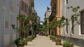 Dzień Ustanawia strzał Typowa Wąska ulica w Hawańskim Kuba zdjęcie wideo