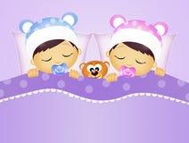 Dzieci śpi w łóżku Obrazy Royalty Free