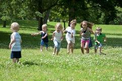 dzieci bawią się Obraz Royalty Free