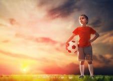 Dzieci bawią się futbolowi Obrazy Stock