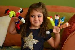 Dzieci bawią się z palcowymi lalami Obraz Royalty Free