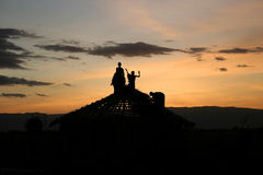 Dzieci Buduje dach Obrazy Royalty Free