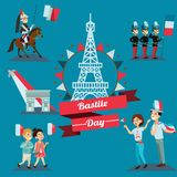 Dzieci chłopiec i dziewczyna na święcie narodowym France, dzieciaki z balonami w ręki odprowadzenia puszka ulicie przeciw tłu Fotografia Royalty Free
