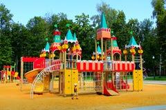 Dziecięcy forteca na boisku Obrazy Stock