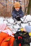 dzieci fortecy śnieg trzy jarda Fotografia Stock