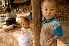 Dzieci Hmong grupa etnicza w wiosce Obraz Stock