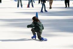 dzieci jeździć na łyżwach Obraz Stock