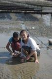 Dzieci morze zdjęcia stock