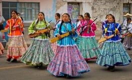 Dzieci na paradzie na Meksyk rewoluci dniu obraz stock