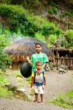 Dzieci na ulicie w Wamena, Nowa gwinei wyspa, Indonezja Fotografia Stock