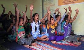 Dzieci odwiedzają centrum dla edukaci w Jaipur, India Obraz Royalty Free