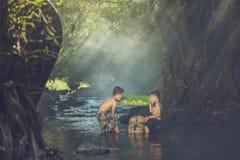 dzieci pływać Obrazy Royalty Free