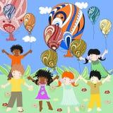 Dzieci różne rasy są ciekawi i balony Obraz Royalty Free