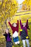dzieci spadek liść bawić się Zdjęcia Stock