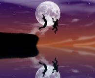 Dzieci synchronizują przy nocą Obrazy Royalty Free