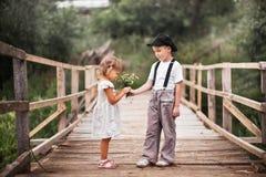 Dzieci szczęśliwi outdoors Obrazy Stock