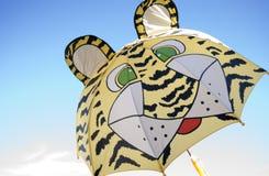 dzieci tygrysa parasol Zdjęcie Royalty Free