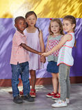 Dzieci uczy się tanczyć w szkole Obrazy Stock