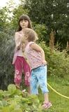 dzieci uprawiają ogródek kuchnię Zdjęcia Stock