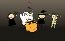 Dzieci w Halloween ubraniach i torbie cukierki Obrazy Royalty Free