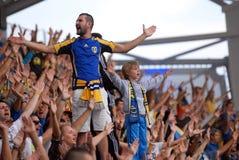 Dzieci wiodący futbolowi ultras obraz royalty free