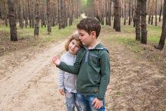dzieci wpólnie target935_1_ Obrazy Stock