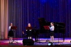 Dzieci wykonują w 'W Nowym Stylu' muzyki i sztuki festiwalu Zdjęcie Stock