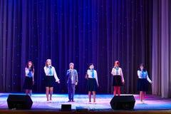 Dzieci wykonują w 'W Nowym Stylu' muzyki i sztuki festiwalu Fotografia Royalty Free