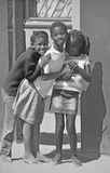 Dzieci żyje w Mondesa slamsy Zdjęcia Stock