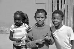Dzieci żyje w Mondesa slamsy Obrazy Royalty Free