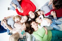 Dzieci z mamami Obraz Stock