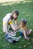 Dzieci z psem zdjęcia stock