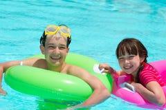 dzieciaków basenu dopłynięcie Fotografia Royalty Free