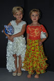Dzieciaków modelów pozować zakulisowy podczas petiteParade Fotografia Stock