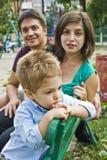 dzieciaków szczęśliwi rodzice Zdjęcia Royalty Free