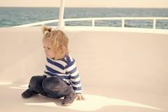 Dzieciak życzliwe cechy Rodzinnego wakacje statek wycieczkowy wszystkie obejmująca wycieczka turysyczna Dzieciak chłopiec berbeci fotografia stock