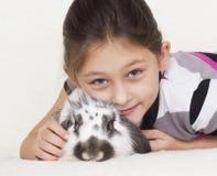 Dzieciak i królik Fotografia Stock