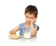 dzieciak jest śniadanie Zdjęcia Stock