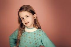 Dzieciak moda i piękno Piękno lub dzieciak moda z kosmetykami i zdrowym włosy Piękno i moda Obrazy Royalty Free