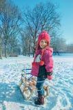 Dzieciak w zima parku Zdjęcia Royalty Free