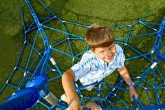 dzieciak wspinaczkowe liny Zdjęcie Royalty Free