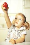 Dzieciak z Easter jajkiem Fotografia Royalty Free