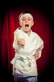 Dzieciaka ćwiczy karate zdjęcie royalty free