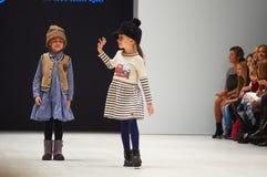Dzieciaka ` s mody dzień podczas Białoruś mody tygodnia na Październiku 29, 2017 w Minsk, Białoruś Obrazy Royalty Free