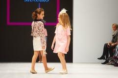 Dzieciaka ` s mody dzień podczas Białoruś mody tygodnia na Październiku 29, 2017 w Minsk, Białoruś Obrazy Stock