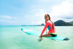 Dzieciaka surfing Obraz Royalty Free